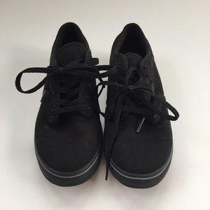 NEW wo tags- Black Vans Classic Sneaker